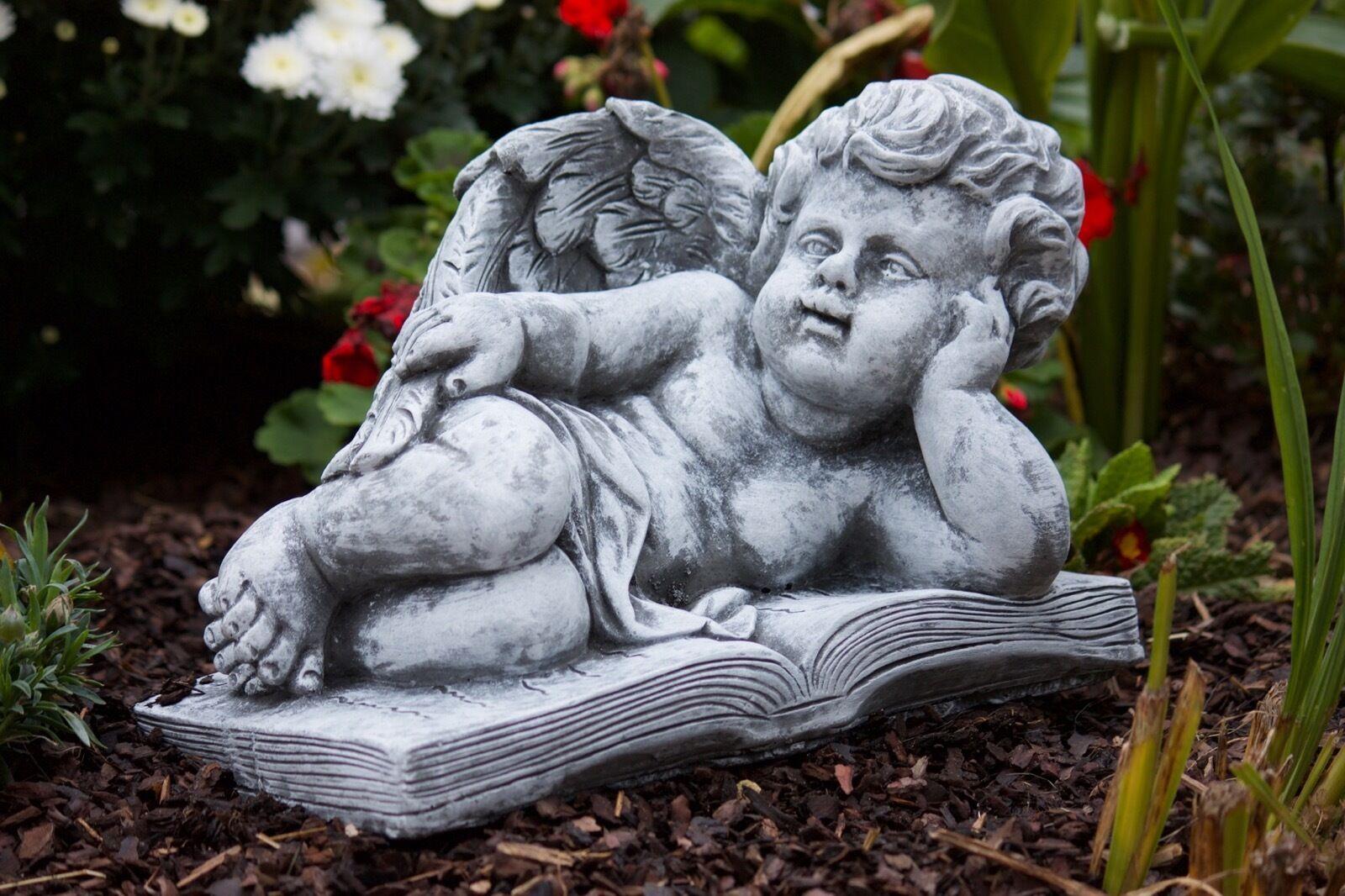 Sculpture en Pierre Grand Ange sur Livre Résistant au Gel aux Intempéries