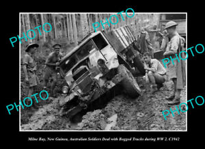 OLD-LARGE-HISTORIC-PHOTO-MILNE-BAY-PNG-AUSTRALIAN-TROOPS-BOGGED-IN-WWII-c1942