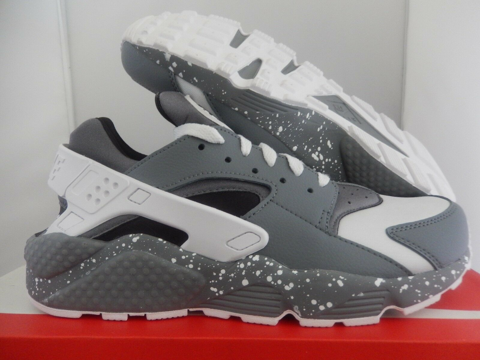 NIKE AIR HUARACHE ID GREY-WHITE-BLACK Price reduction best-selling model of the brand