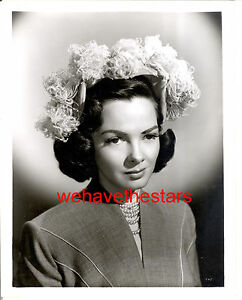 Glamour hat fashion photos from 40s