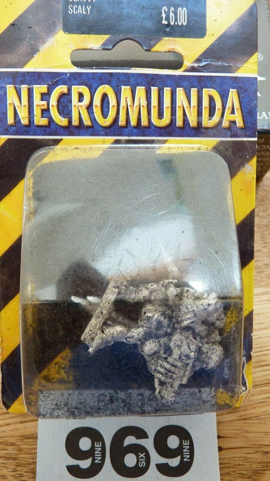 WARHAMMER SPECIALIST GAMES NECROMUNDA SCAVVY SCALY WITH HARPOON GUN MIB OOP