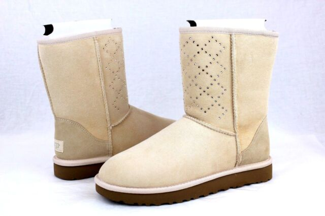 UGG CLASSIC SHORT CRYSTAL DIAMOND SUEDE FRESHWATER PEARL WOMEN BOOTS SIZE US 9