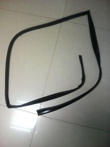 Toyata Corolla 2000-2007 Front Door Left Glass Run Channel Felt Seal