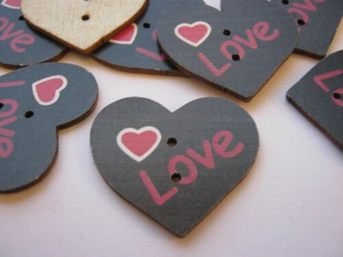 """Noir Coeur Saint Valentin Sewing Crafts 1 1//8/"""" 5 Amour Cœurs Boutons 30 mm"""