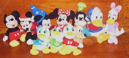 11 Disney Beanies Mickey Santa Wizard Minnie Mouse Pluto Goofy Donald Daisy Duck