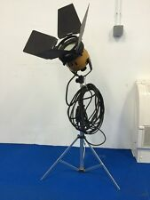 Occasion, vintage : Projecteur IANIRO ALDO diametre eclairage 15cm + trepieds
