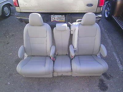 Toyota Sienna second row  TAN LEATHER BUCKET SEATS   new takeout's
