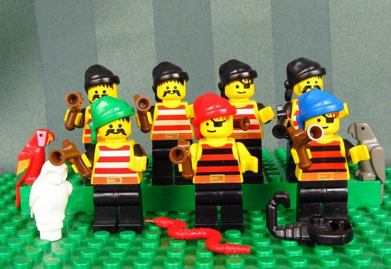 Lego Lot Of 7 7 7 Pirates With Weapons and Rag Wrap Hats c9ff31