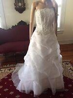 $600 Davids Bridal Gorgeous White Pearl Beaded Wedding Dress Size 2