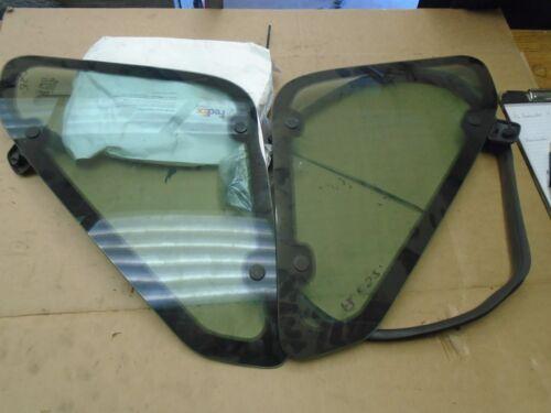 Freelander 3 Par De Puerta Trasero Pasajero Glass Windows y ribetes de goma