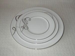 Mikasa China Love Story Platinum Dinner, Salad & Bread Plates