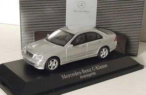 Mercedes Classe C W203 Avantgarde Iridium Silver au 1:43 Schuco (modèle du concessionnaire)