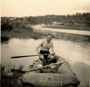 2-WW-Russland-auf-der-Beresina-bei-Borisow-unterwegs-mit-russ-034-Schlauchboot-034