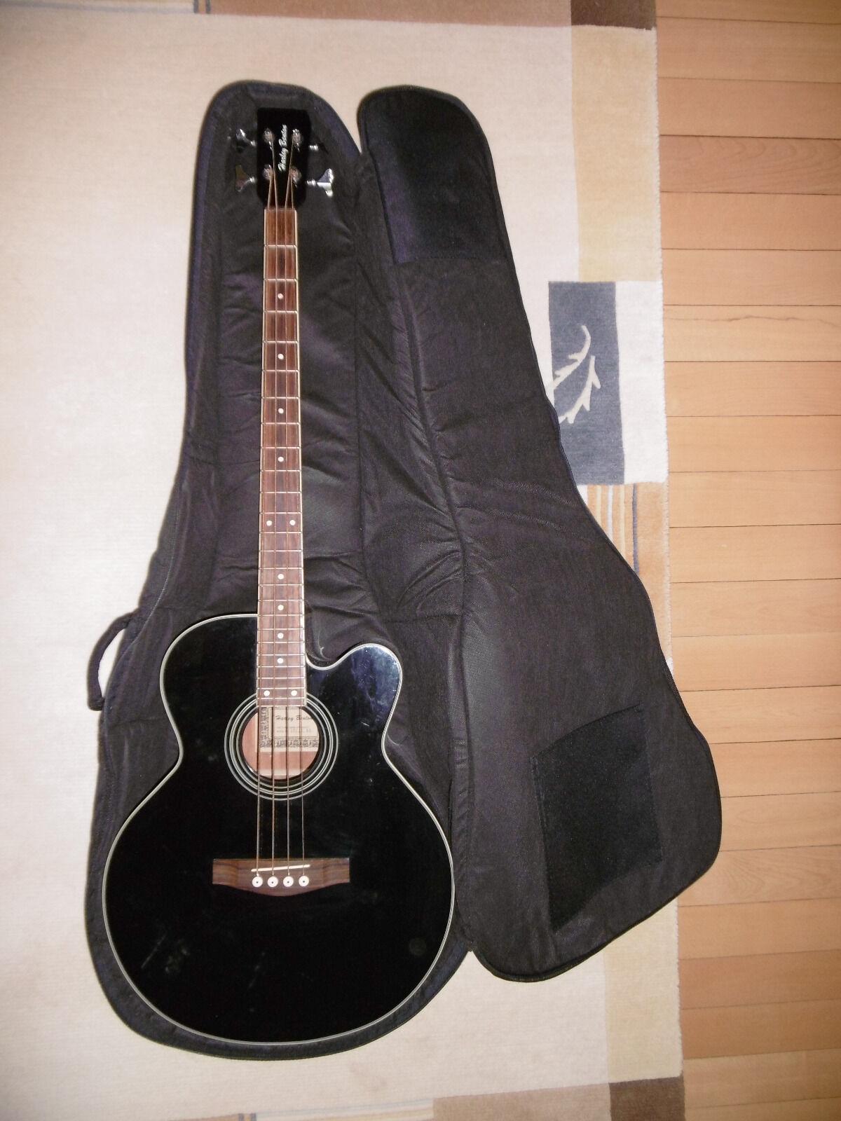 Harley Benton 4 Saiten Bass Farbe  Schwarz in Top zustand mit Tasche