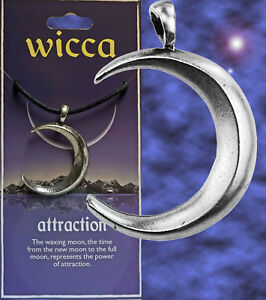 WICCA-034-ATTRACTION-034-WAXING-CRESCENT-MOON-AMULET-PENDANT-STORY-CARD-CORD