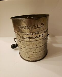 Bromwell's 1960s  Measuring  Flour Sifter 3 Cup. Wood Knob Handle