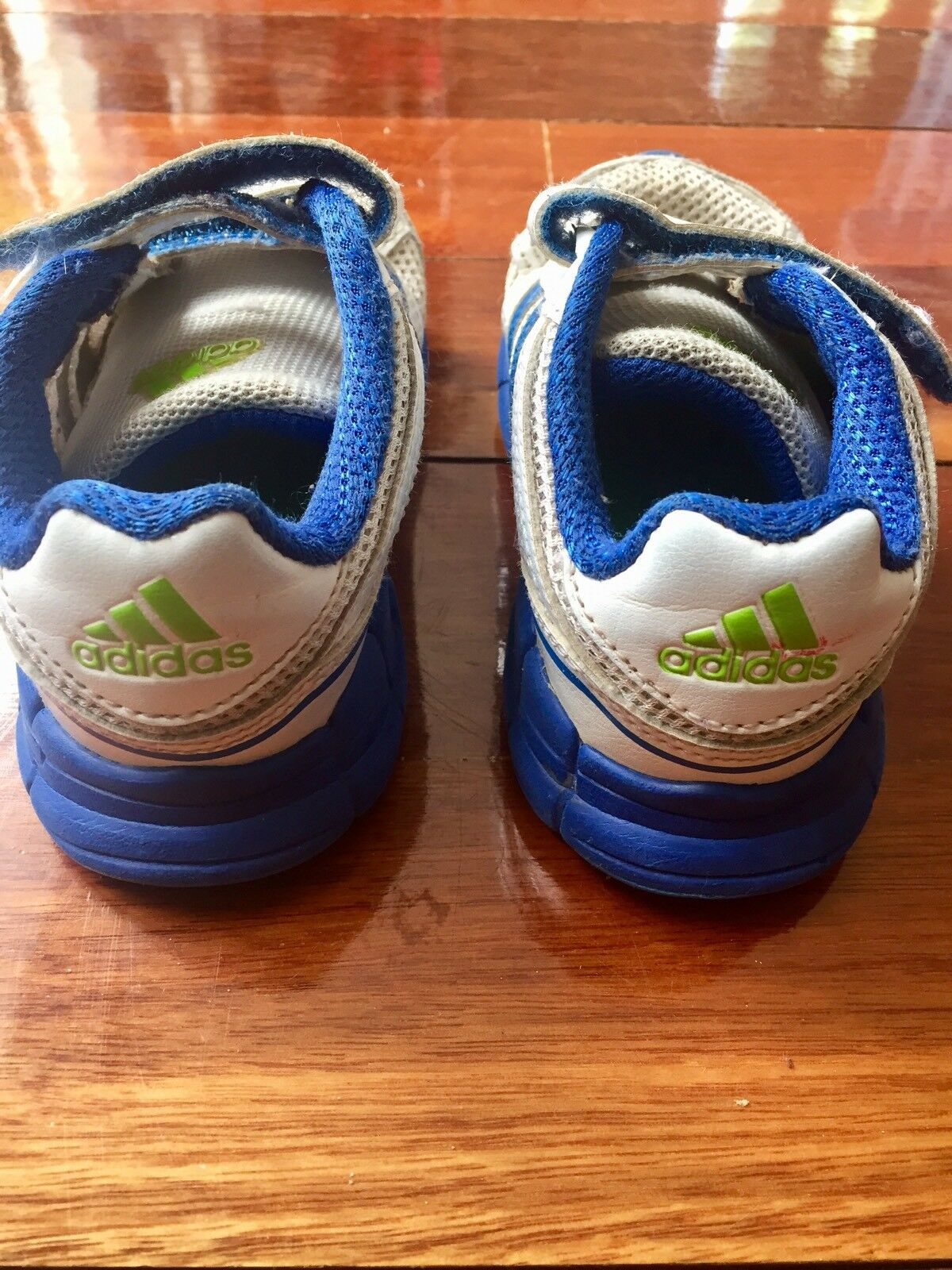 Adidas Kids Boys Shoes cipők.Méret US 8K UK 7.5K