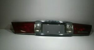 00-05-CHEVY-GM-Buick-Lesabre-Limited-Tail-Light-Center-Trunk-Rear-Finish-Panel