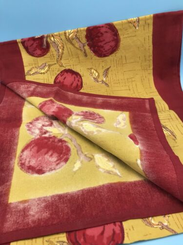 "Couleur Nature Paris Tablecloth Apples Leaves Red Gold 90/"" x 90/""100/% Cotton"