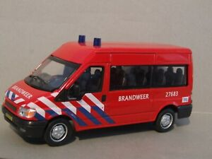 1-43-Scale-Ford-Transit-Dutch-Fire-Service-Brandweer-by-Cararama