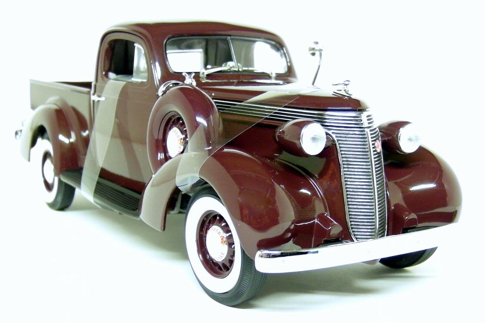 Studebaker Coupe Express Pick-Up 1937 Green LUCKY DIECAST 1:18 LDC92458GR Model