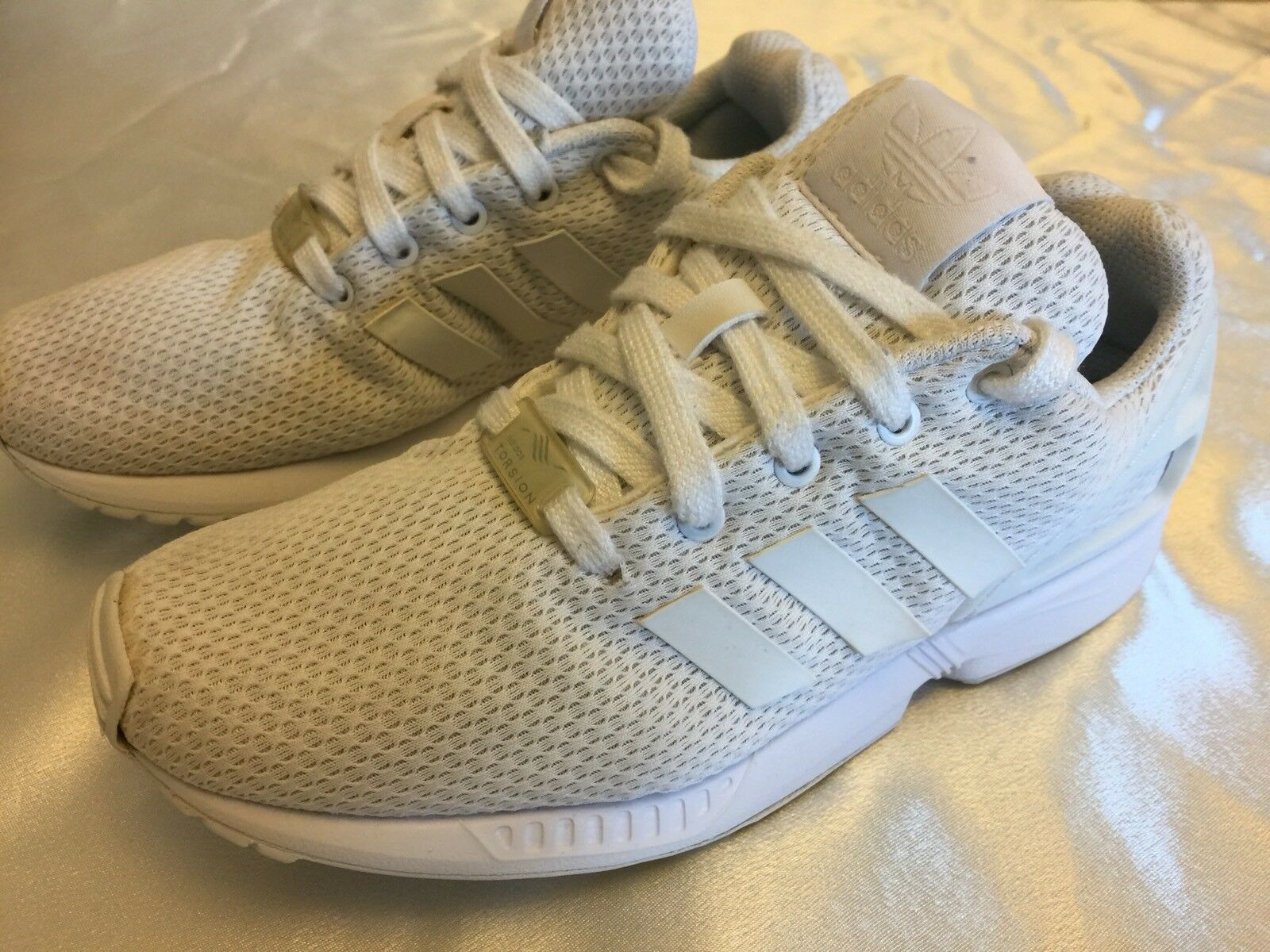 Adidas Torsion Withe Trainers Size (****)