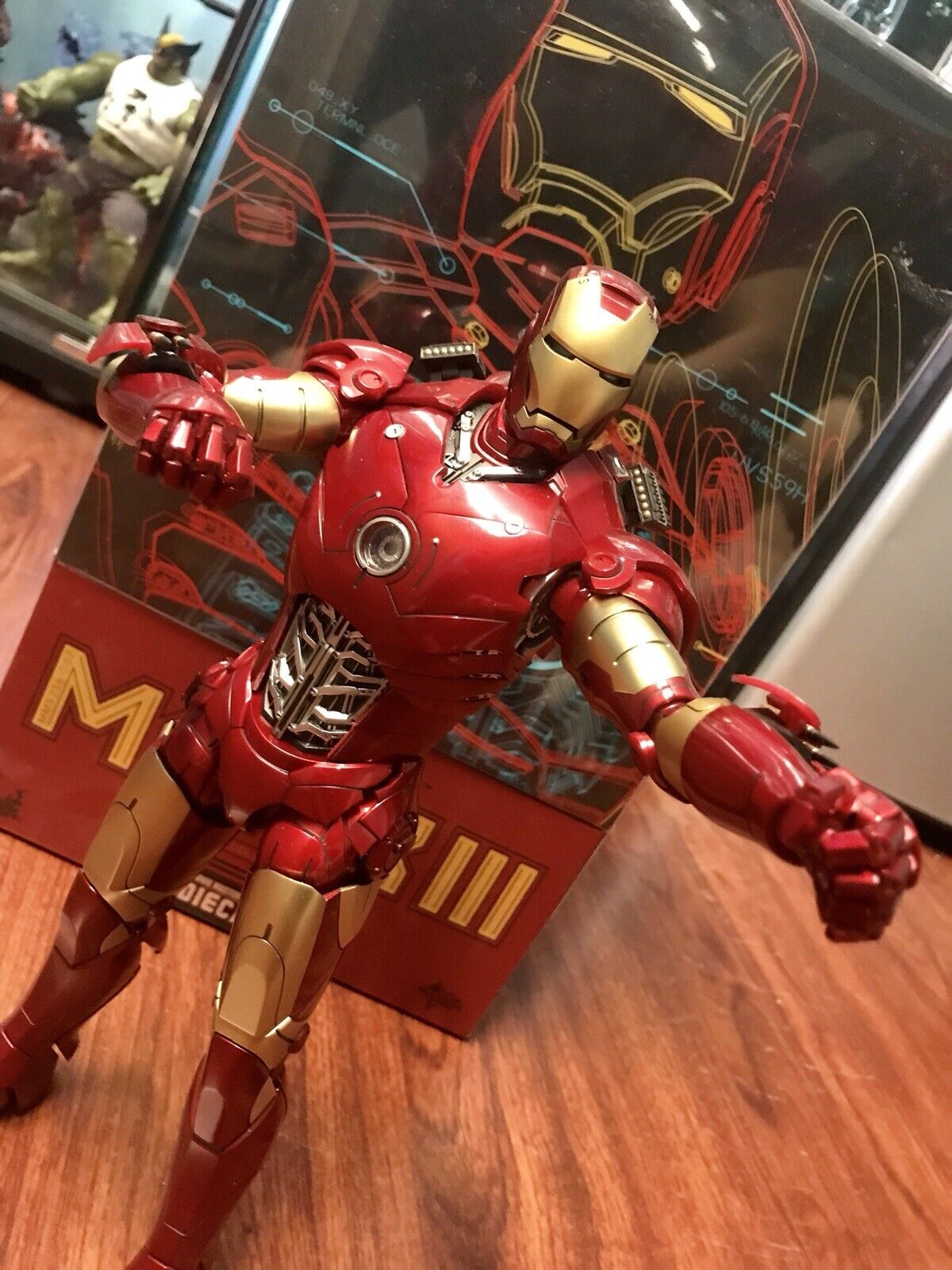 Hot Toys Iron Man Mark III 3 Diecast ( Xtra Damaged Accessories ) RARE