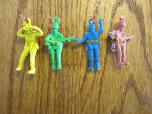 "25 NEW ARMY PARACHUTE MEN 2.25/"" PARATROOPERS TOY SOLDIERS PARTY FAVORS"