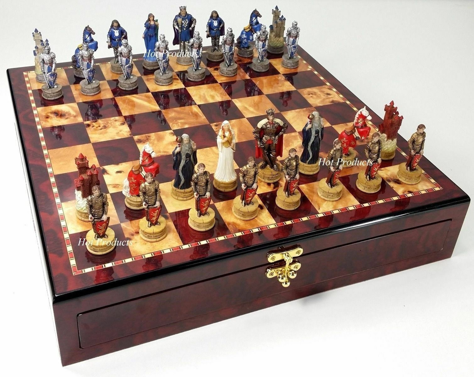 MEDIEVAL TIMES Crusades KING ARTHUR CAMELOT Chess Set Cherry Coloree STORAGE BOARD