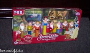 NEW PEZ SNOW WHITE & THE SEVEN DWARFS COLLECTOR'S SERIES BOXED GIFT SET W/ BOOK