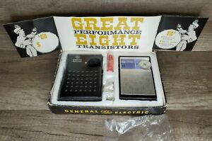 VINTAGE GENERAL ELECTRIC GE GREAT EIGHT TRANSISTOR RADIO/BOX/LEATHER CASE
