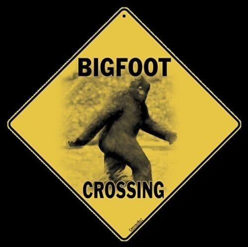 "16/"" on diagonal BIGFOOT Aluminum Crossing Sign 12/"" on sides"