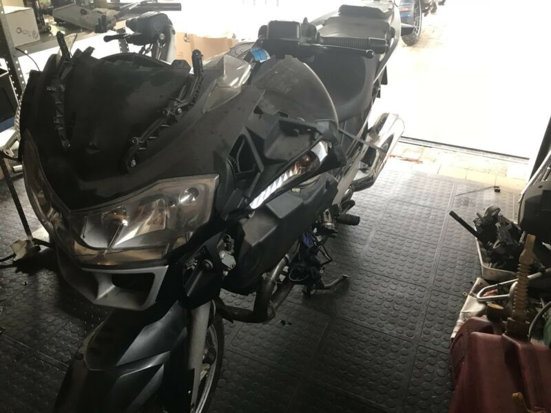2006 BMW R1200RT stripping for spares