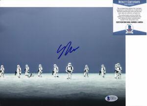Gareth-Edwards-Star-Wars-Rogue-One-Signed-Autograph-8x10-Photo-Beckett-BAS-COA-B