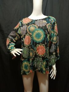 Black Floral Sequined Top Size: 1X / XL