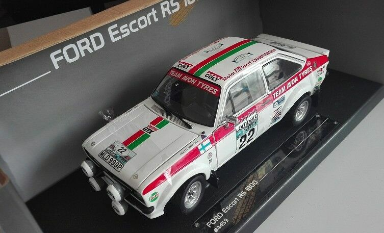 1 1 1 18 FORD Escort RS1800 Die Cast Model fcdf51
