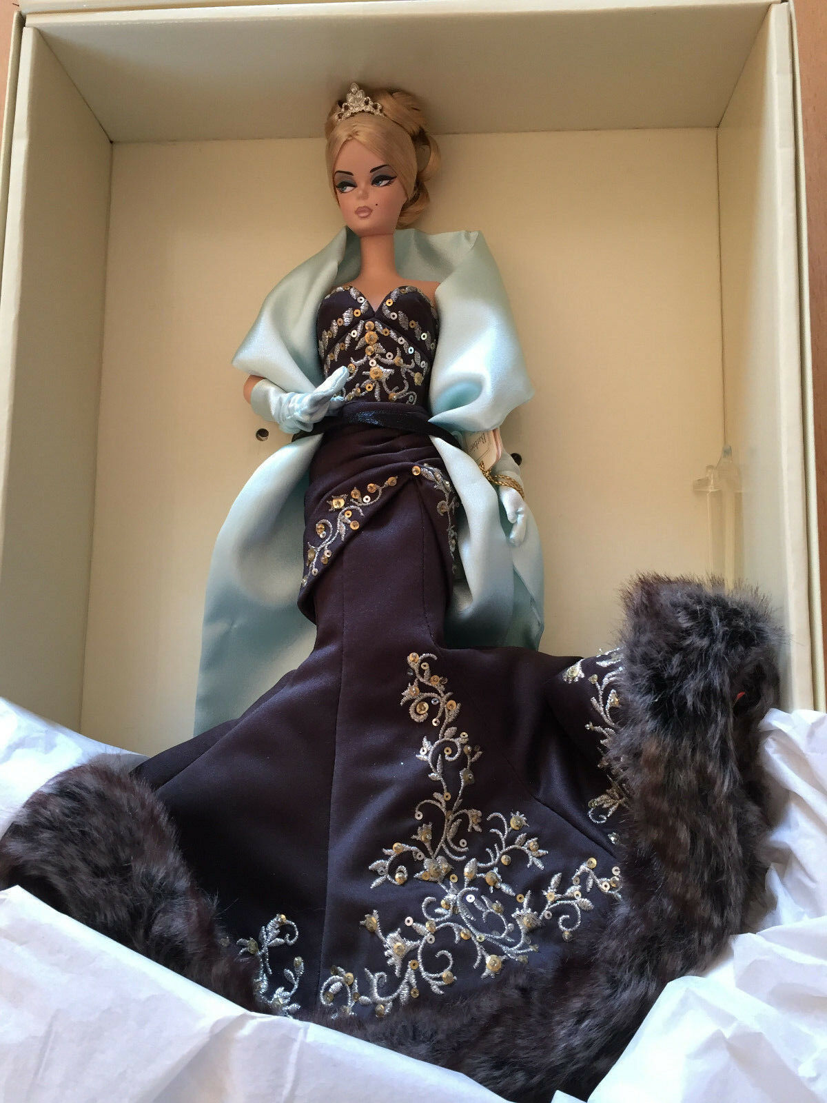 Mattel G8072 2005 Stolen Magic Barbie Fashion Model Collection oro Label