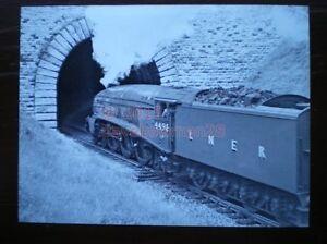 PHOTO  LNER GRESLEY CLASS A4 462 4498 SIR NIGEL GRESLEY - Tadley, United Kingdom - PHOTO  LNER GRESLEY CLASS A4 462 4498 SIR NIGEL GRESLEY - Tadley, United Kingdom
