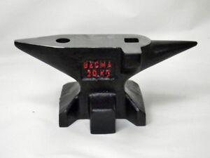 BECMA-Amboss-in-Sueddeutscher-Form-20kg