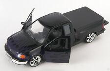 BLITZ VERSAND Ford F-150 Pick Up 1999 schwarz Welly Modell Auto 1:24 NEU OVP -LR