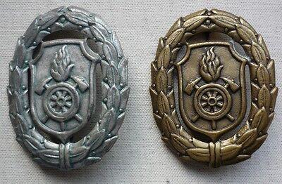 2 Abzeichen Der Feuerwehr - Ft15-0820