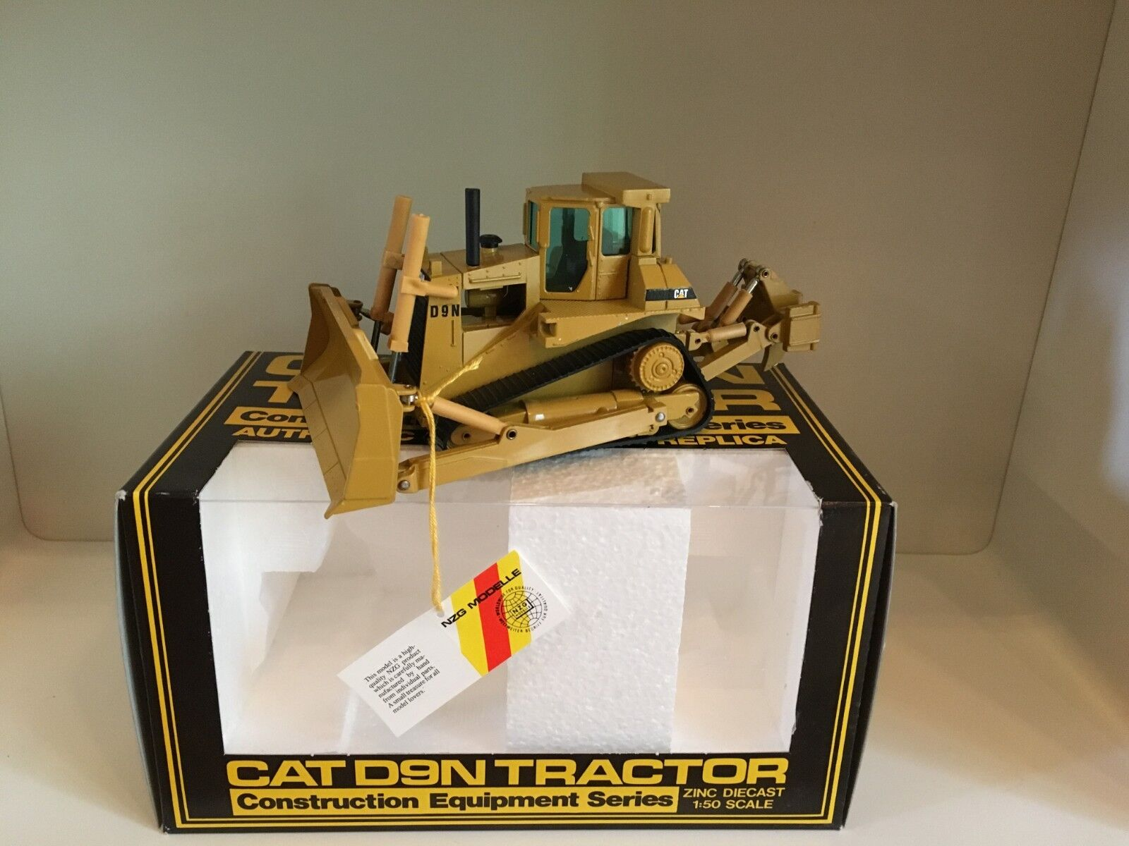 Caterpillar D 9 N Planierraupe von NZG 298 1 50 OVP  | Ausgezeichnete Qualität