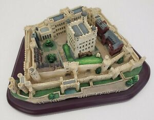 Tower-of-London-Great-Castles-of-The-World-Lenox-1995