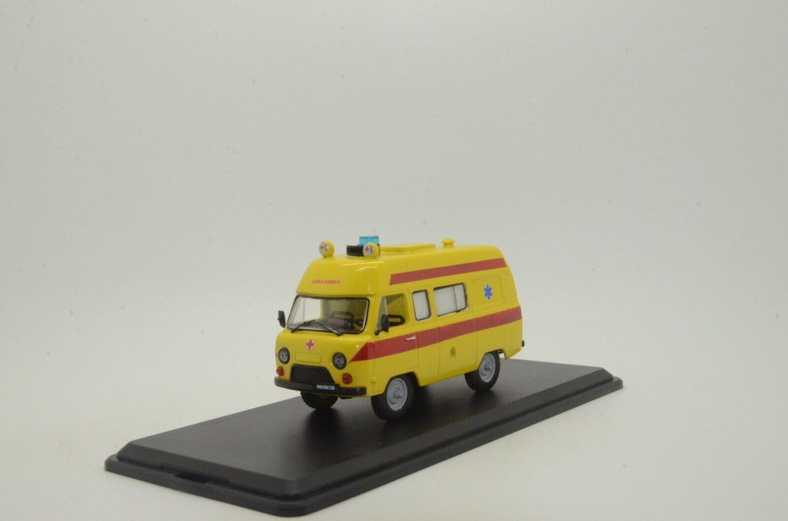 Rara ¡Rara UAZ 452 ambulancia hecha a mano 1   43