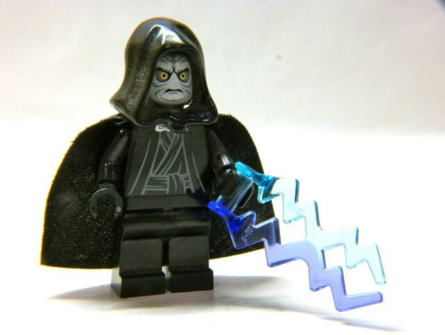 LEGO Star Wars Emperor Palpatine MINIFIGURE, blue gray, from 10188, 2008 figure
