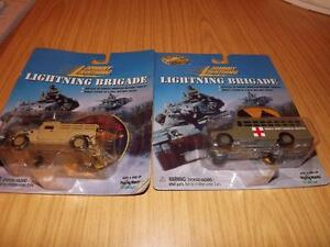 M98: Johnny Lightning Desort Storm M998 WC54 Humvee Ambulance on card
