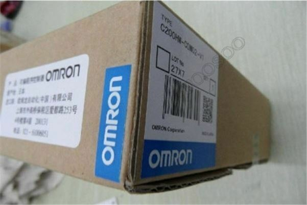 1Pcs New Omron C200HW-COM02-V1 Communication Module rm