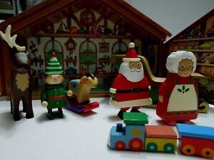 Santa-039-s-Workshop-HMK-LIC-2005-wooden-figures