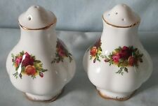 Royal Albert Old Country Roses Salt & Pepper 5/9 holes England