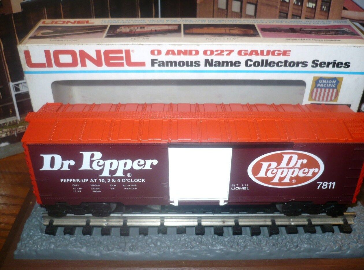 LIONEL DR. PEPPER BOX CAR 6-7811